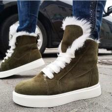 Ботинки зимние женские цвета Хаки замшевые на овчине 0174