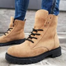 Ботинки зимние женские песочного цвета  замшевые на овчине 0180
