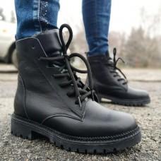 Ботинки зимние женские черные кожаные на овчине 0183