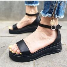 Босоножки женские черные кожаные 0210