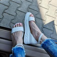 Босоножки женские белые кожаные на белой подошве 0213
