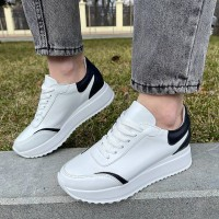 Кроссовки женские белые кожаные с черными вставками 0339