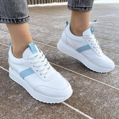 Кроссовки женские белые кожаные с голубыми замшевыми вставками 0348
