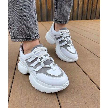 Кроссовки женские белые кожаные с серой замшевой вставкой 0353