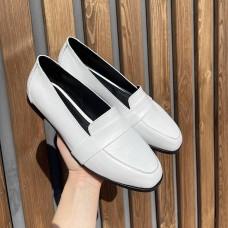 Лоферы женские белые кожаные 0358 (образец)