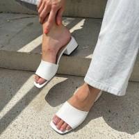 Мюли женские белые кожаные с открытым носком 0454