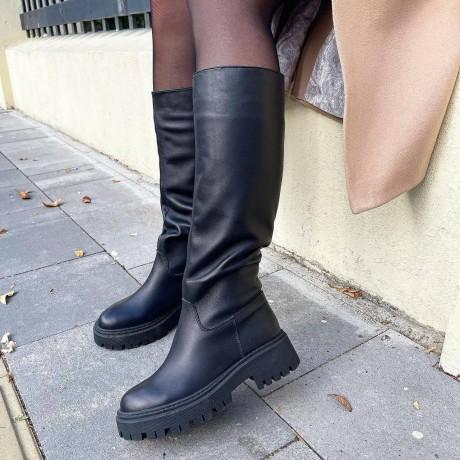 Женские черные сапоги кожаные 0550 (образец)